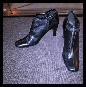 Nine West ankle boots, black leather